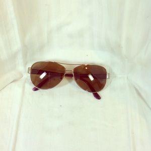 Vera Bradley woman's sunglasses
